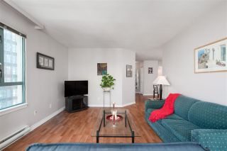 """Photo 7: 1906 888 HAMILTON Street in Vancouver: Downtown VW Condo for sale in """"ROSEDALE GARDEN"""" (Vancouver West)  : MLS®# R2542026"""