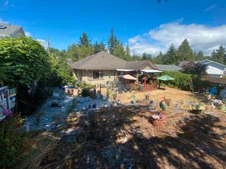 Photo 20: 6335 PICADILLY Place in Sechelt: Sechelt District House for sale (Sunshine Coast)  : MLS®# R2608131