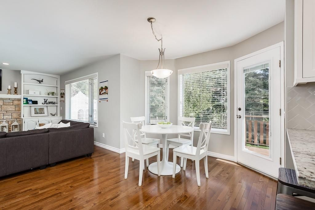 Photo 12: Photos: 115 SIERRA MORENA Circle SW in Calgary: Signal Hill Detached for sale : MLS®# C4299539