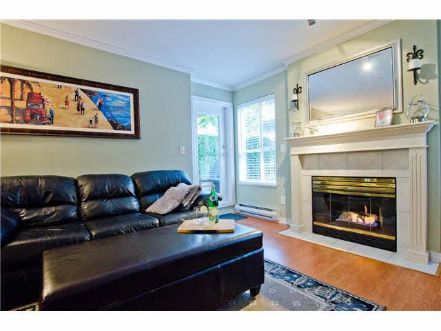 """Photo 7: Photos: 106 15272 20TH Avenue in Surrey: King George Corridor Condo for sale in """"Windsor Court"""" (South Surrey White Rock)  : MLS®# F1429895"""