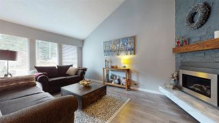 Photo 3: 41778 GOVERNMENT Road in Squamish: Brackendale 1/2 Duplex for sale : MLS®# R2546754