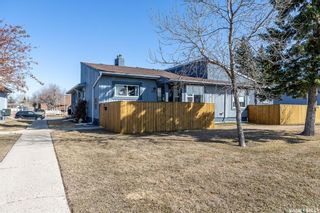 Photo 3: 431 Fines Drive in Regina: Glencairn Village Residential for sale : MLS®# SK849126