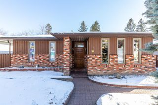 Photo 2: 136 Fairview Crescent SE in Calgary: Fairview Detached for sale : MLS®# A1073972