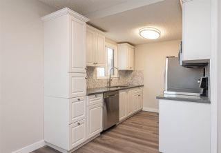 Photo 7: 35 WILLOWDALE Place in Edmonton: Zone 20 Townhouse for sale : MLS®# E4229271