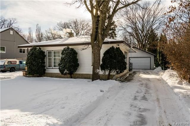 Main Photo: 36 Moore Avenue in Winnipeg: St Vital Residential for sale (2C)  : MLS®# 1803647