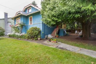 Photo 1: 726 TENTH Street in New Westminster: Moody Park House for sale : MLS®# R2088044