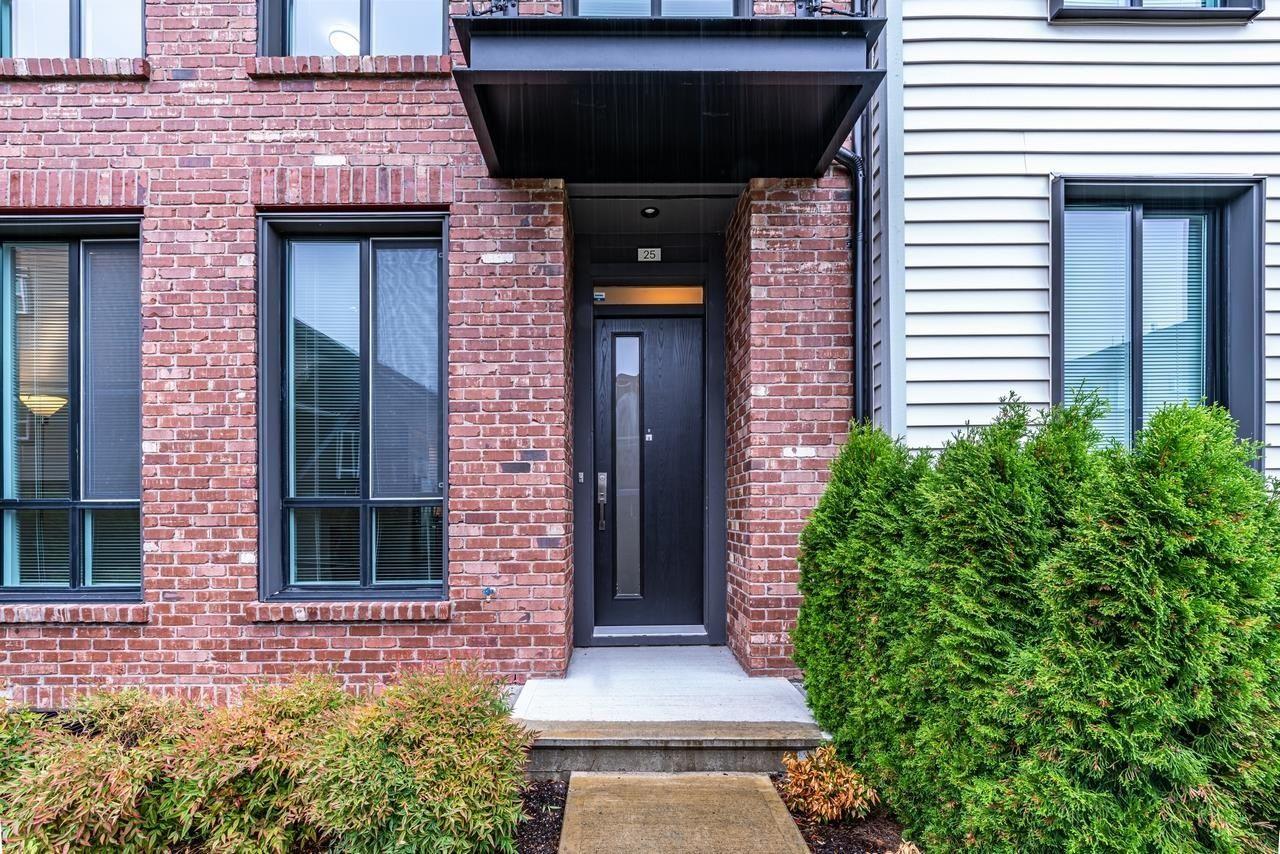 Main Photo: 25 15938 27 Avenue in Surrey: Grandview Surrey Townhouse for sale (South Surrey White Rock)  : MLS®# R2624275