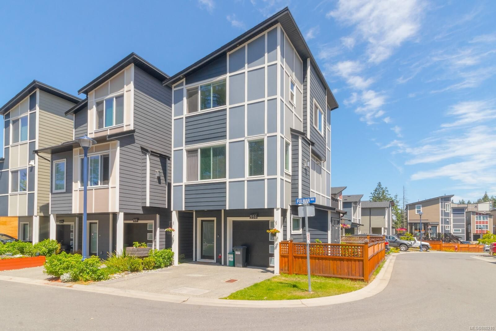 Main Photo: 914 Fulmar Rise in Langford: La Happy Valley House for sale : MLS®# 880210