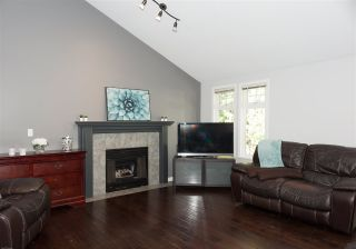 """Photo 7: 35 20761 TELEGRAPH Trail in Langley: Walnut Grove Townhouse for sale in """"Woodbridge"""" : MLS®# R2451466"""
