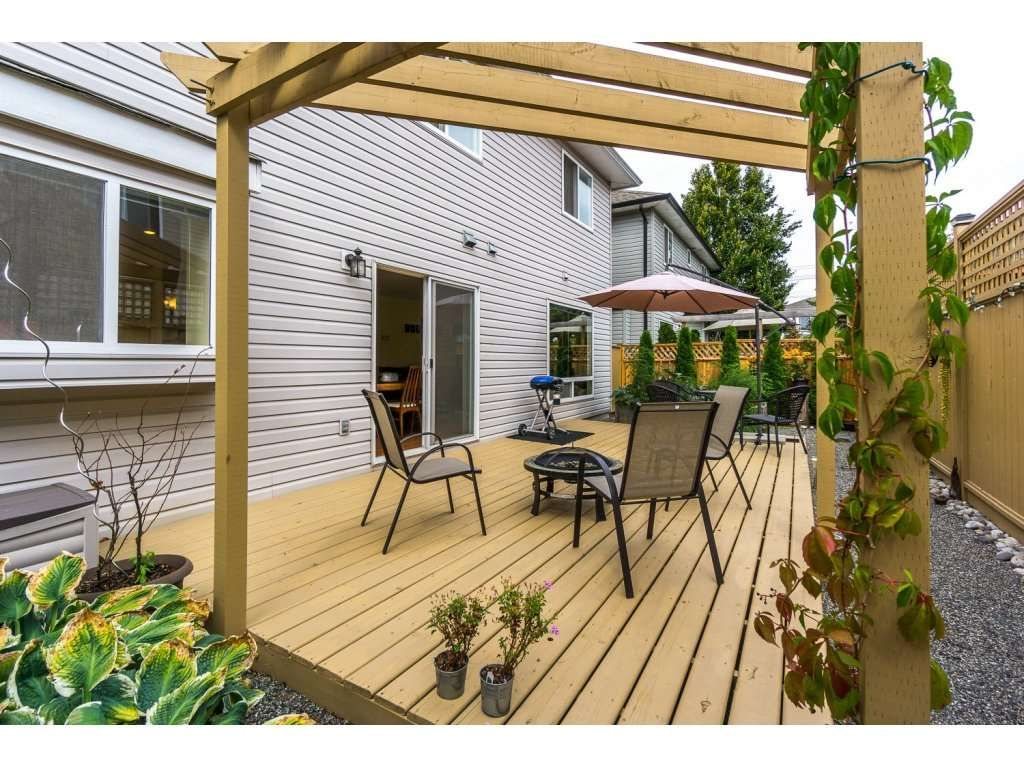 Photo 2: Photos: 9456 202B Street in Langley: Walnut Grove House for sale : MLS®# R2125683