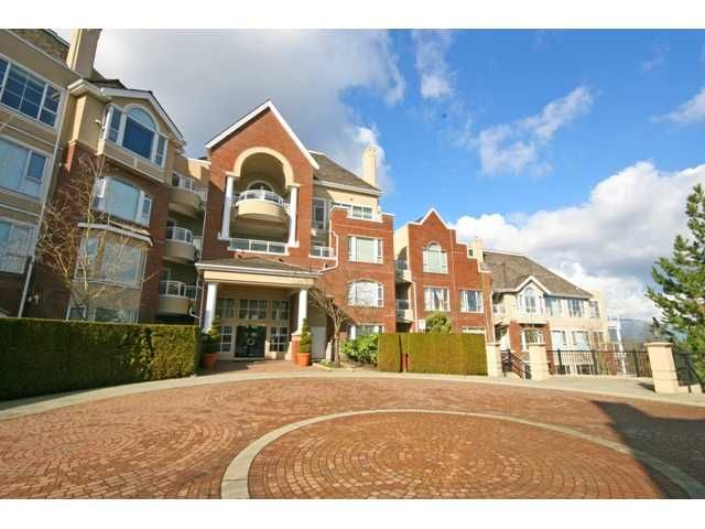 "Main Photo: 305 5262 OAKMOUNT Crescent in Burnaby: Oaklands Condo for sale in ""ST. ANDREWS"" (Burnaby South)  : MLS®# V882257"