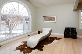 Photo 4: 1548 STRATHCONA Drive SW in Calgary: Strathcona Park Detached for sale : MLS®# C4292231