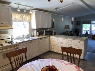 """Photo 12: 45 4116 BROWNING Road in Sechelt: Sechelt District Manufactured Home for sale in """"ROCKLAND WYND"""" (Sunshine Coast)  : MLS®# R2472545"""