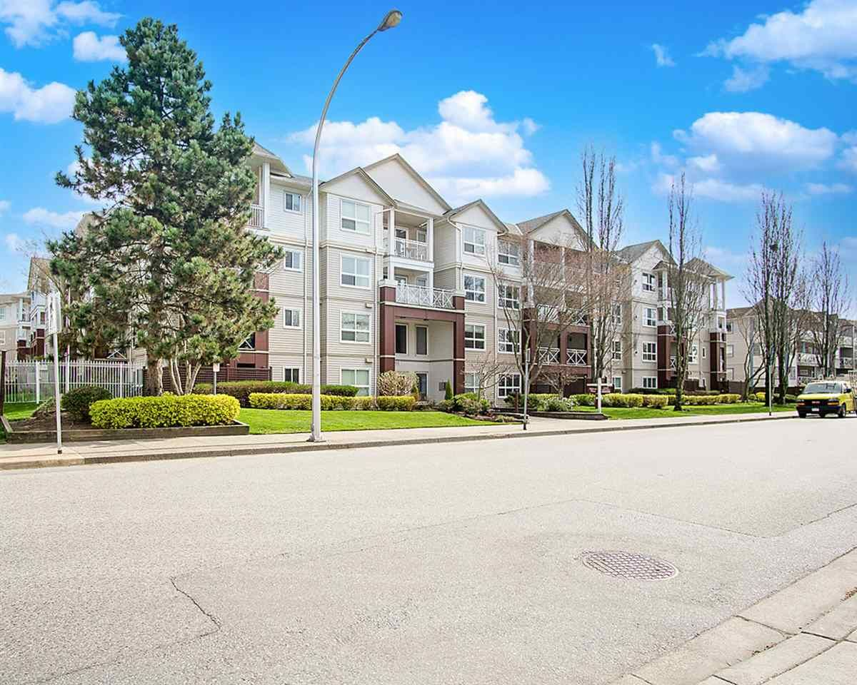 Main Photo: 309 8068 120A Street in Surrey: Queen Mary Park Surrey Condo for sale : MLS®# R2561621