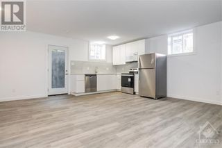 Photo 3: 842 MAPLEWOOD AVENUE in Ottawa: House for rent : MLS®# 1265782