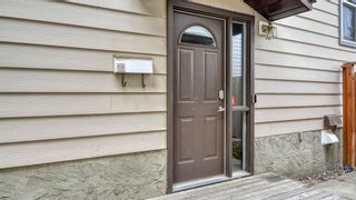 Photo 3: 210 Edgedale Place NW in Calgary: Edgemont Semi Detached for sale : MLS®# A1152992