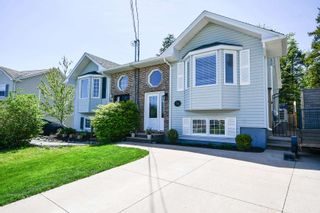 Photo 1: 68 Hewer Crescent in Middle Sackville: 25-Sackville Residential for sale (Halifax-Dartmouth)  : MLS®# 202114513