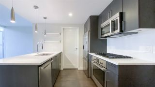 "Photo 7: 615 38 W 1ST Avenue in Vancouver: False Creek Condo for sale in ""The One"" (Vancouver West)  : MLS®# R2527576"