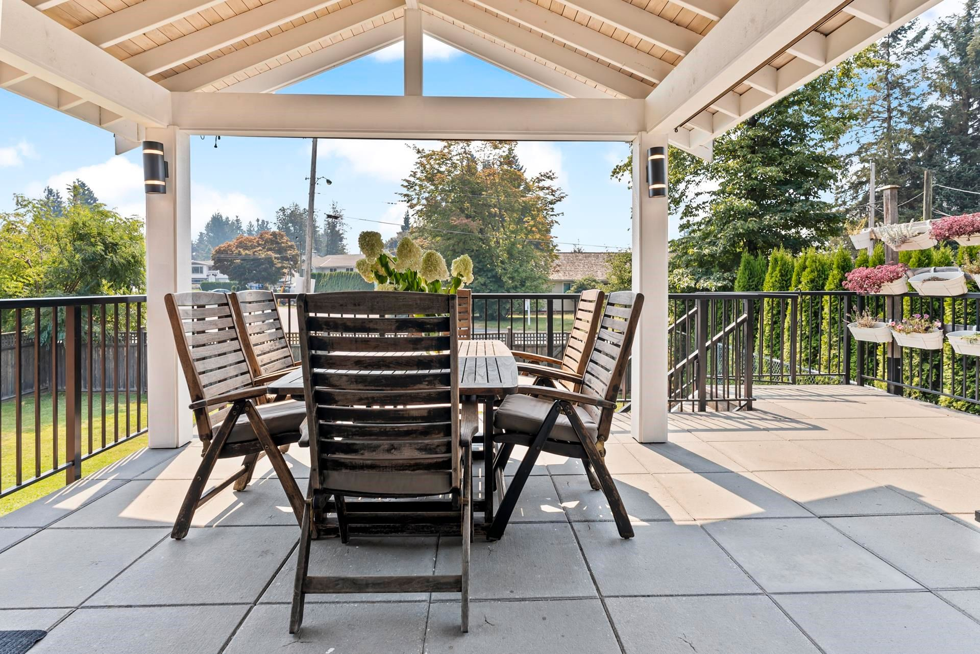 Main Photo: 7421 COTTONWOOD Street in Mission: Mission BC House for sale : MLS®# R2609151