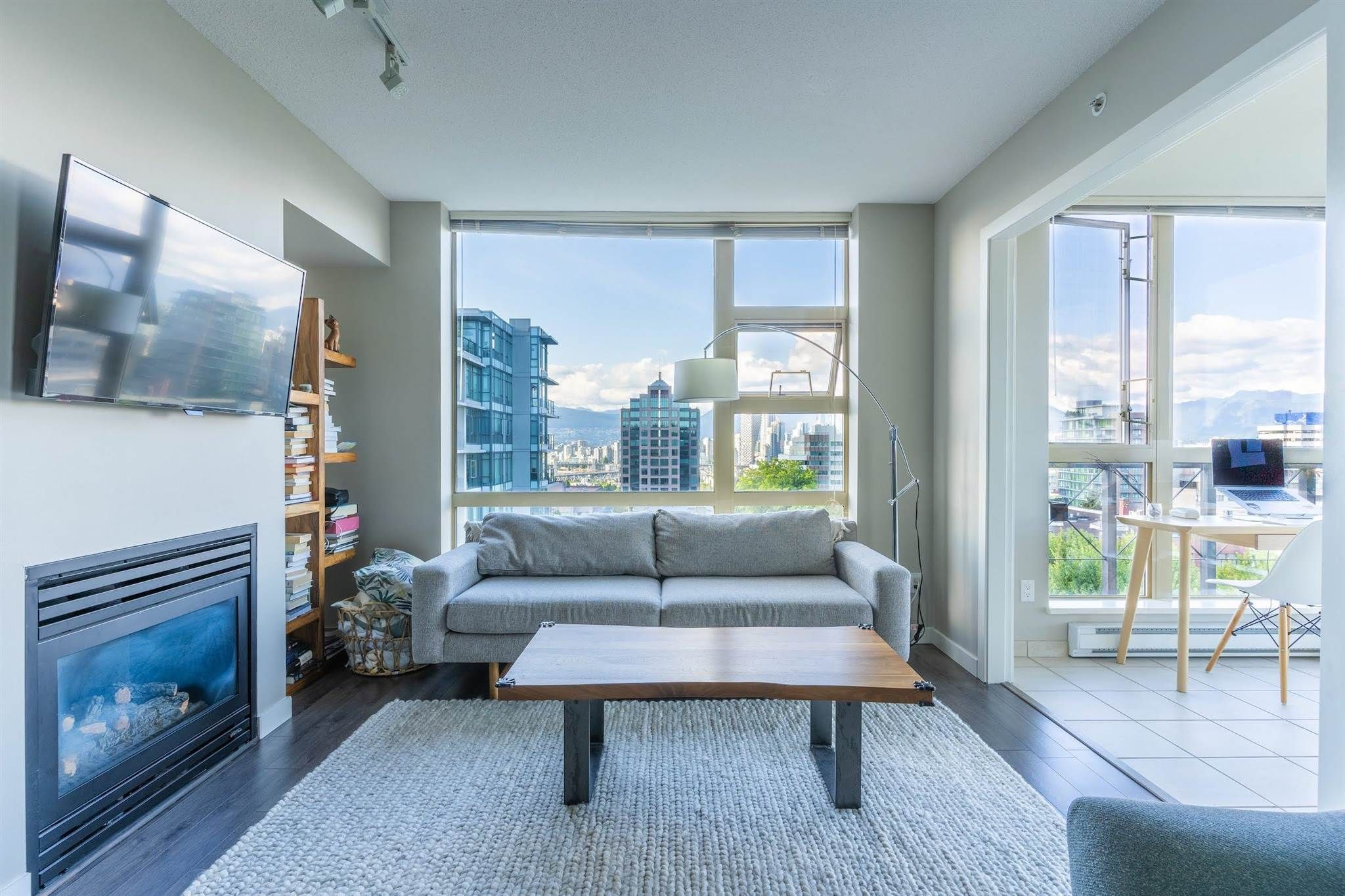 Main Photo: 1005 1316 W 11TH AVENUE in Vancouver: Fairview VW Condo for sale (Vancouver West)  : MLS®# R2603717