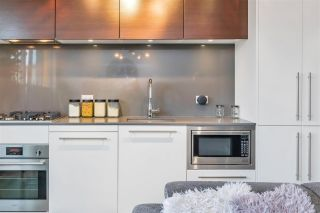 """Photo 14: 606 150 E CORDOVA Street in Vancouver: Downtown VE Condo for sale in """"INGASTOWN"""" (Vancouver East)  : MLS®# R2512729"""