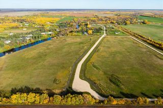 Photo 2: 158 South River Drive in Beausejour: R03 Residential for sale : MLS®# 202119446