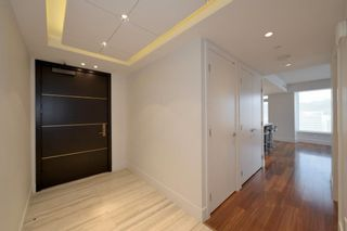 """Photo 4: 3404 667 HOWE Street in Vancouver: Downtown VW Condo for sale in """"PRIVATE RESIDENCES AT THE HOTEL GEORGIA"""" (Vancouver West)  : MLS®# R2575549"""