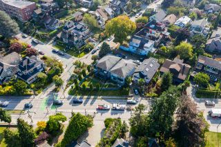 Photo 5: 2710 POINT GREY Road in Vancouver: Kitsilano House for sale (Vancouver West)  : MLS®# R2568558