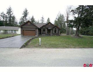 Photo 1: 45713 ELIZABETH Drive in Cultus_Lake: Cultus Lake House for sale : MLS®# H2901060