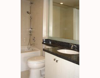 """Photo 8: 515 1707 W 7TH Avenue in Vancouver: Fairview VW Condo for sale in """"SANTA FE"""" (Vancouver West)  : MLS®# V751168"""