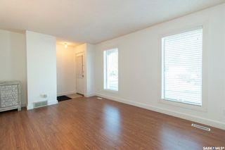 Photo 3: 74 Robinson Crescent in Saskatoon: Dundonald Residential for sale : MLS®# SK872231
