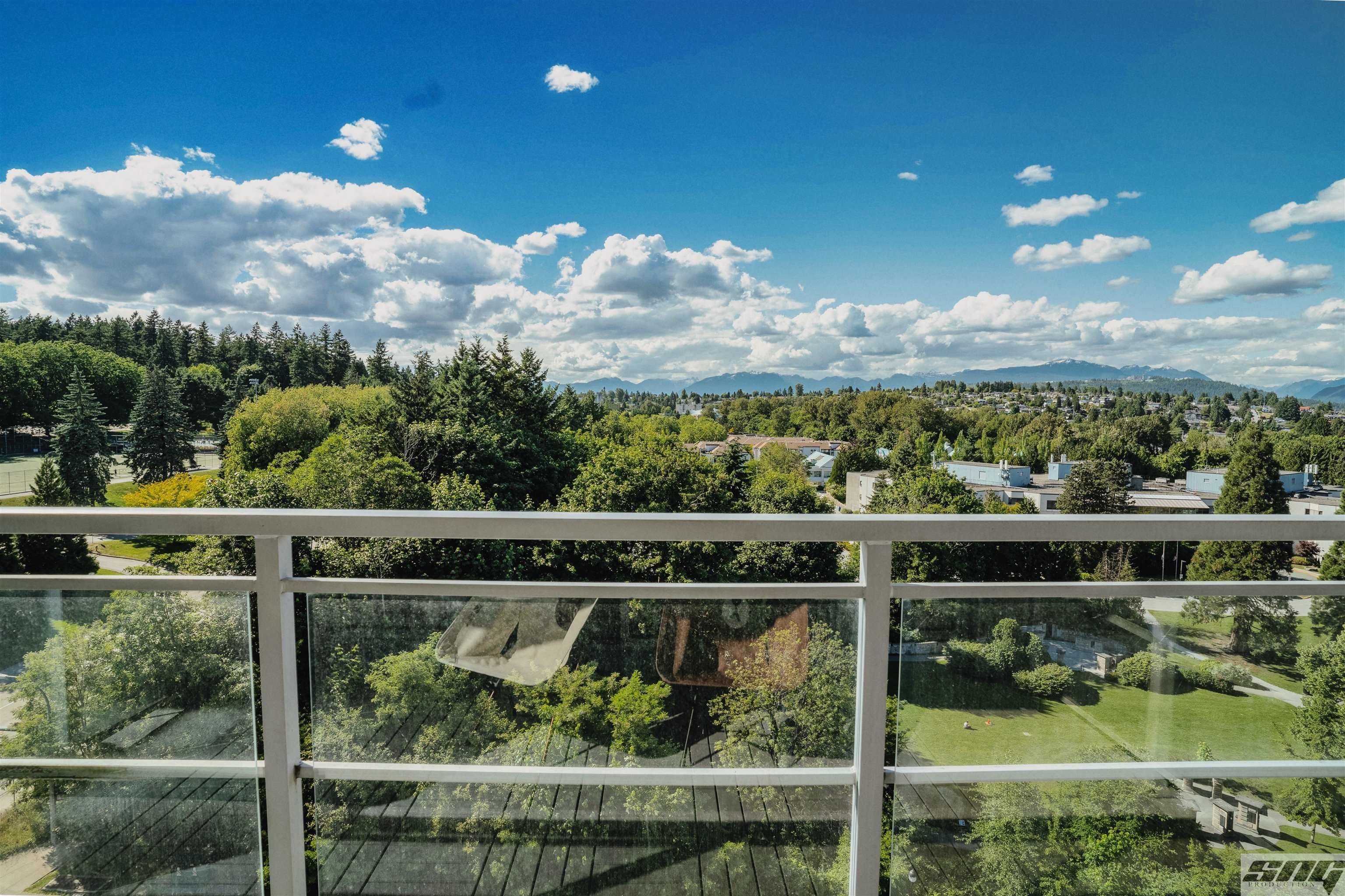 """Main Photo: 1401 280 ROSS Drive in New Westminster: Fraserview NW Condo for sale in """"THE CARLYLE"""" : MLS®# R2624309"""