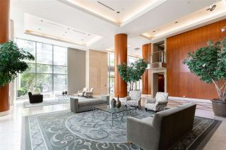"""Photo 3: 803 323 JERVIS Street in Vancouver: Coal Harbour Condo for sale in """"ESCALA"""" (Vancouver West)  : MLS®# R2591803"""