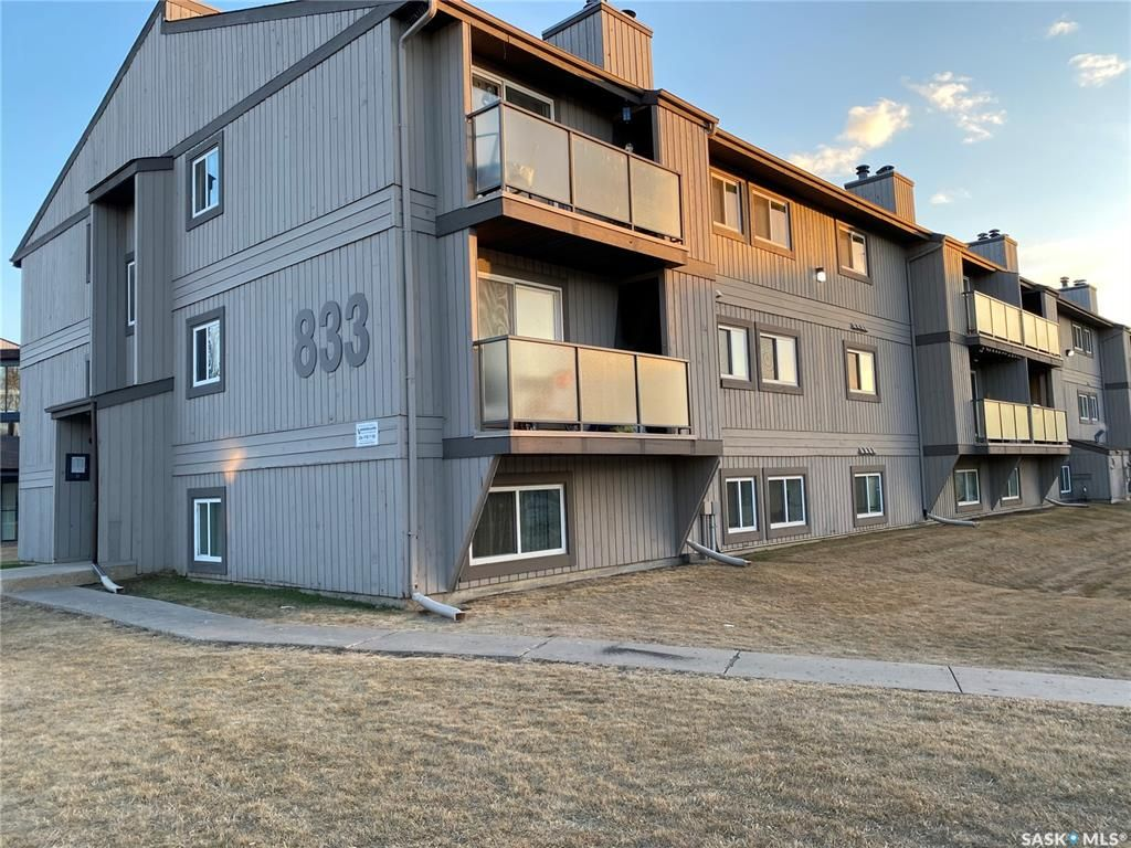 Main Photo: 107 833 Wollaston Crescent in Saskatoon: Lakeview SA Residential for sale : MLS®# SK851429