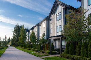 """Photo 2: 25 2427 164 Street in Surrey: Grandview Surrey Townhouse for sale in """"SMITH"""" (South Surrey White Rock)  : MLS®# R2624142"""