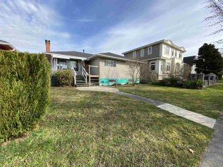 Photo 2: 3231 COLERIDGE Avenue in Vancouver: Killarney VE House for sale (Vancouver East)  : MLS®# R2553530