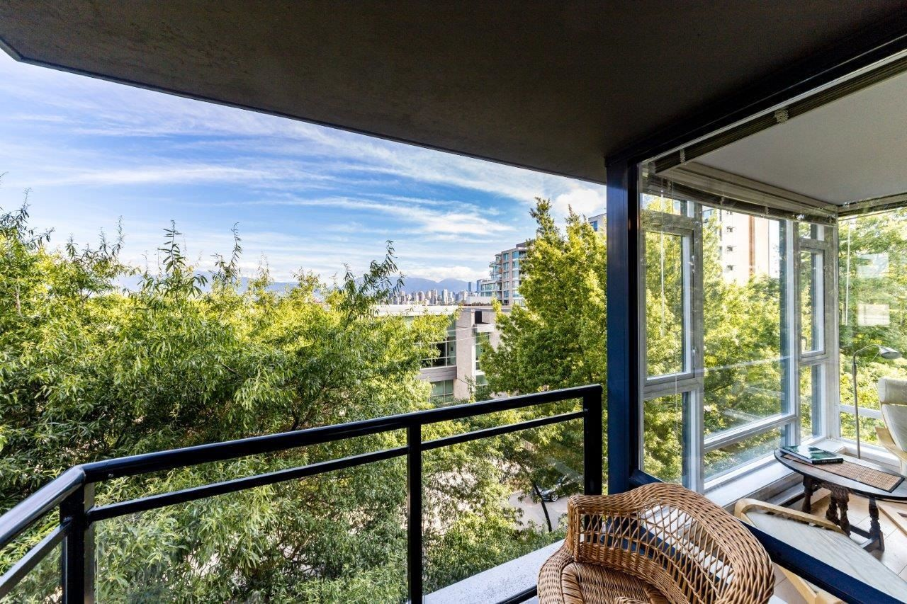 """Main Photo: 505 1650 W 7TH Avenue in Vancouver: Fairview VW Condo for sale in """"VIRTU"""" (Vancouver West)  : MLS®# R2609277"""