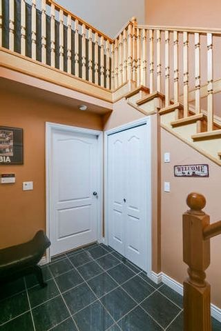 Photo 2: 8131 NO 1 Road in Richmond: Seafair House for sale : MLS®# R2167031