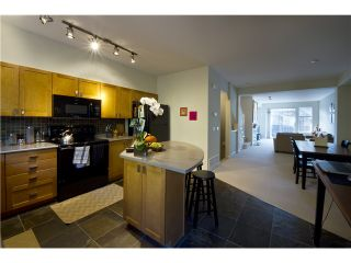 Photo 3: # 72 2200 PANORAMA DR in Port Moody: Heritage Woods PM Condo for sale : MLS®# V1073074