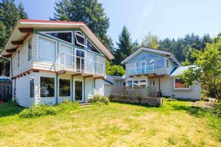 """Photo 1: 1540 WHITE SAILS Drive: Bowen Island House for sale in """"Tunstall Bay"""" : MLS®# R2613126"""