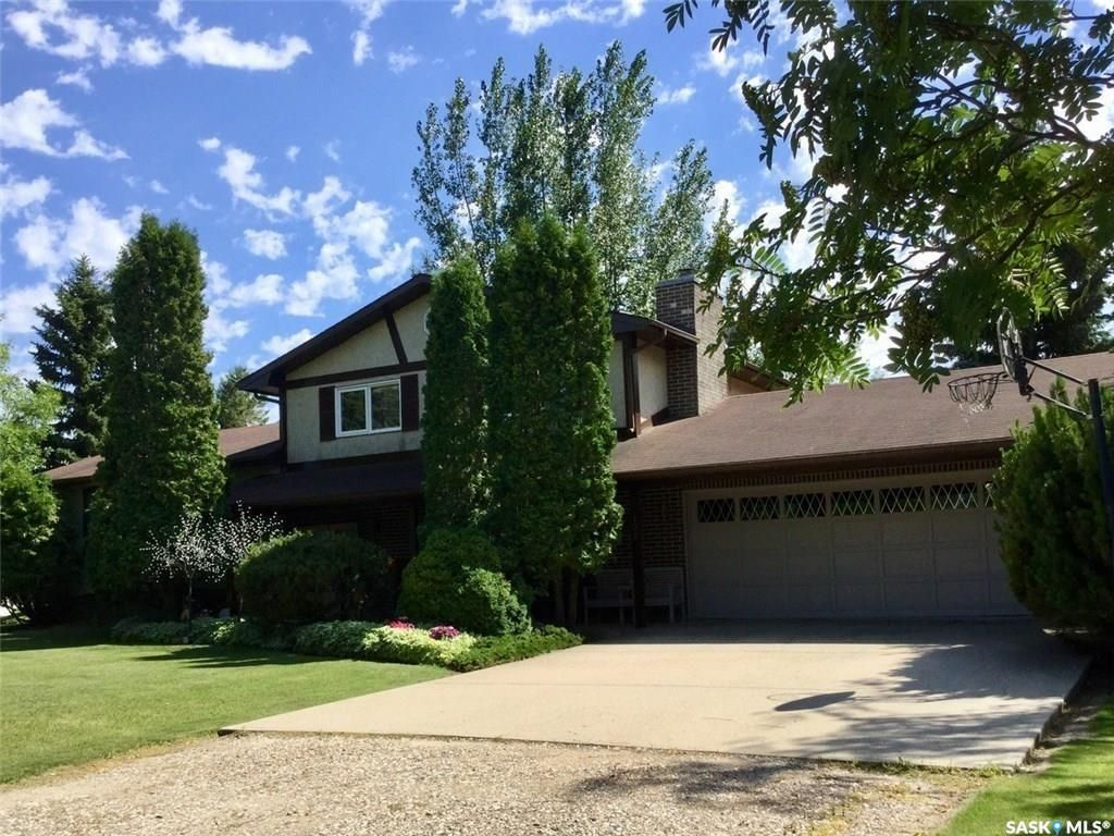 Main Photo: 102 Hill Avenue in Cut Knife: Residential for sale : MLS®# SK846469