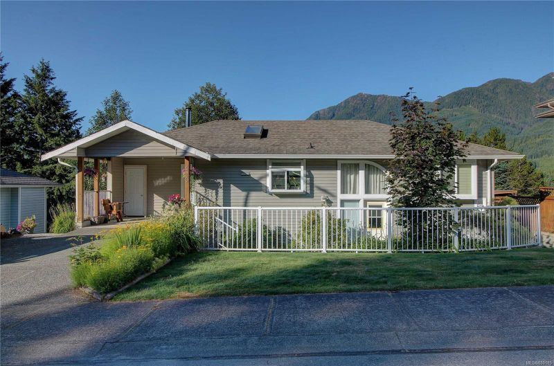 FEATURED LISTING: 420 Donner Dr