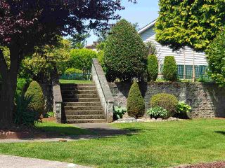 """Photo 3: 29 32959 GEORGE FERGUSON Way in Abbotsford: Central Abbotsford Townhouse for sale in """"Oakhurst Park"""" : MLS®# R2588253"""