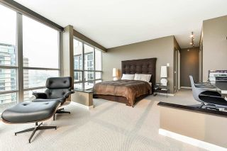 """Photo 20: 1902 1228 MARINASIDE Crescent in Vancouver: Yaletown Condo for sale in """"Crestmark II"""" (Vancouver West)  : MLS®# R2582919"""