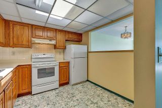 """Photo 12: 303 14950 THRIFT Avenue: White Rock Condo for sale in """"THE MONTEREY"""" (South Surrey White Rock)  : MLS®# R2598221"""
