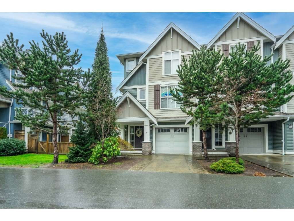 """Main Photo: 6 5837 SAPPERS Way in Chilliwack: Vedder S Watson-Promontory Townhouse for sale in """"THE WOODS"""" (Sardis)  : MLS®# R2535093"""