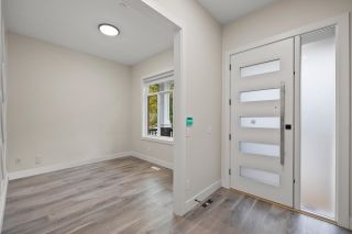 Photo 3: 4440 STEPHEN LEACOCK Drive in Abbotsford: Abbotsford East House for sale : MLS®# R2619594