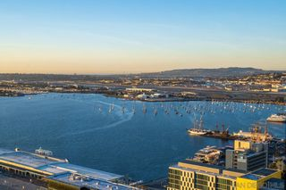 Photo 11: DOWNTOWN Condo for sale : 3 bedrooms : 888 W E Street #3502 in San Diego