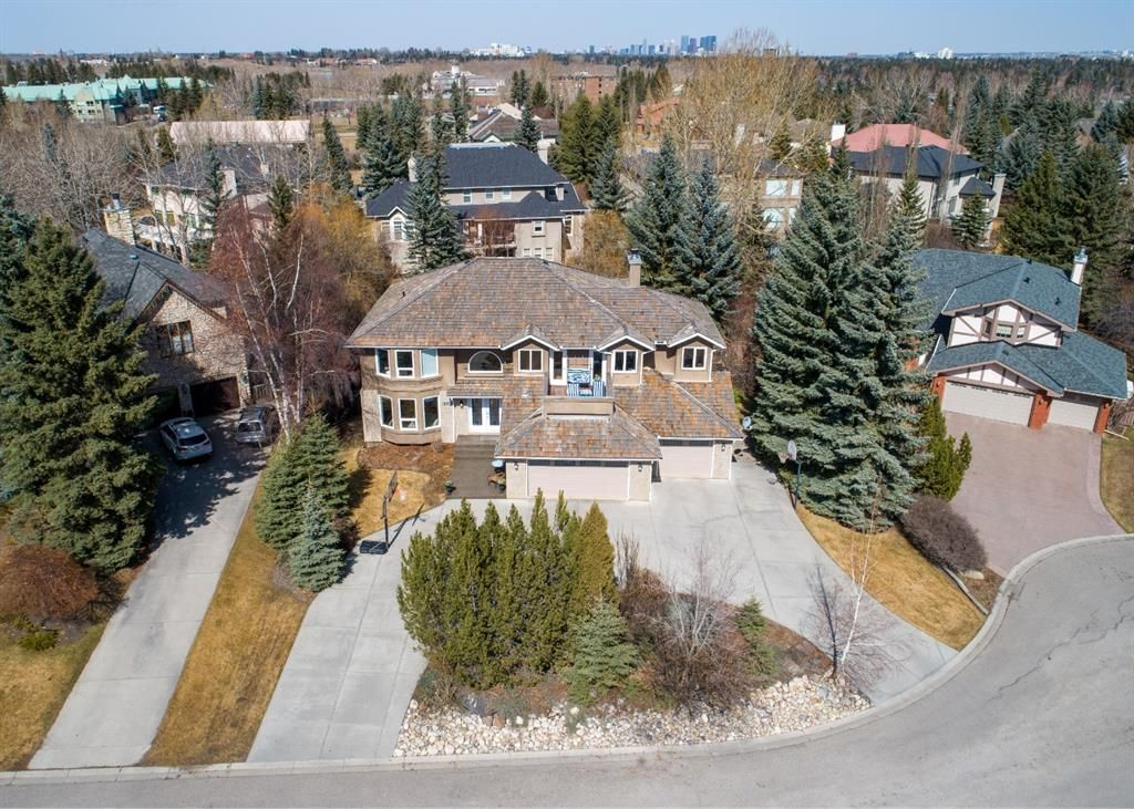 Main Photo: 334 Pumpridge Place SW in Calgary: Pump Hill Detached for sale : MLS®# A1094863