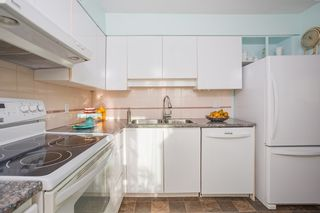 """Photo 6: 903 1555 EASTERN Avenue in North Vancouver: Central Lonsdale Condo for sale in """"THE SOVEREIGN"""" : MLS®# R2131360"""